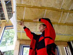 Применение двухстроннего скотча при прокладке теплоизоляции