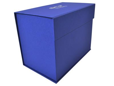 Почтовая упаковка с изображением методом каширования